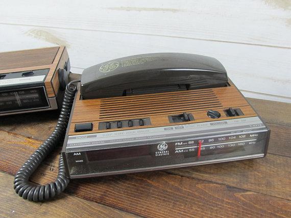 Vintage General Electric Ge Clock Radio