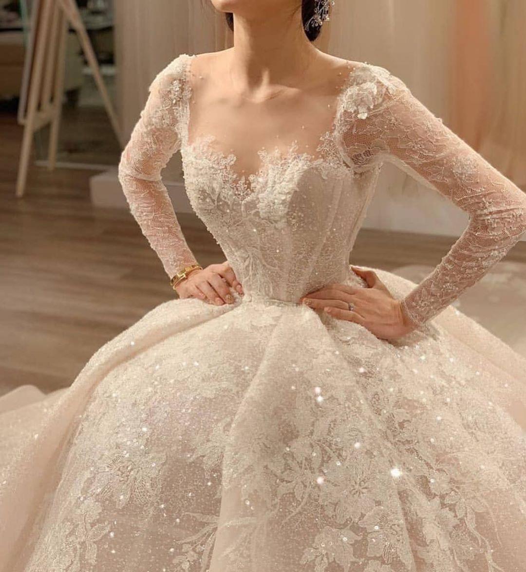 En Guzeli الأجمل On Instagram اجمل فستان عروس شفته بكل حياتي فستان الاحلام ولا غلطه Ball Gowns Wedding Wedding Dresses Bridal Dresses
