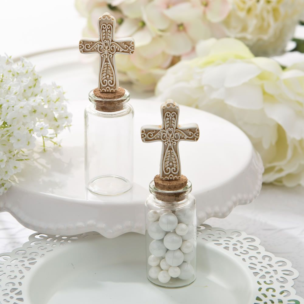 This petite jar favor features a clear glass bottom and closes ...