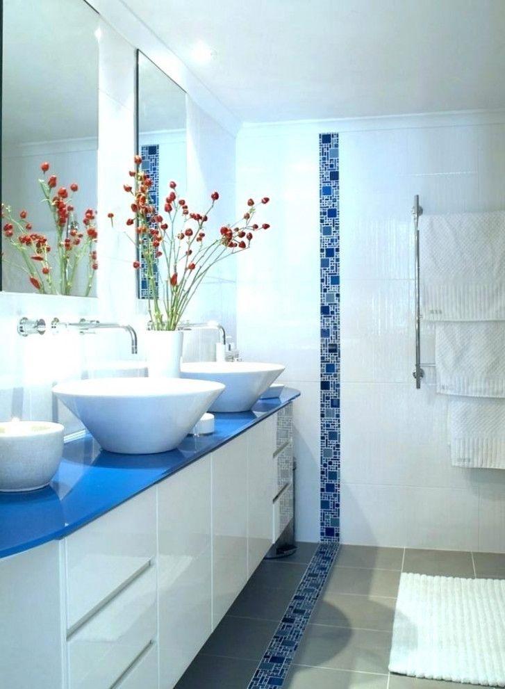 Die Schlechtesten Ratschlage Die Wir Fur Blaue Badezimmer Deko Gehort Haben Badezimmer Ideen In 2020 White Bathroom Decor Blue Bathroom Decor Blue White Bathrooms