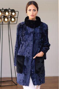 Шубы из каракульчи в Италии   КОЖА, МЕХ в 2019 г.   Pinterest   Fur, Fur  Coat и Coat 1f661f53033