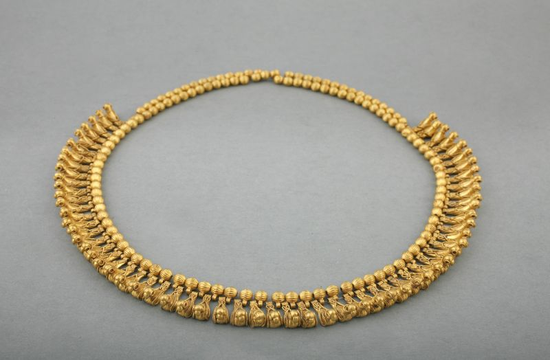 Necklace Composed of Beads and Bird Pendants   Vani, Western Georgia, ca. 450 B.C.   Gold