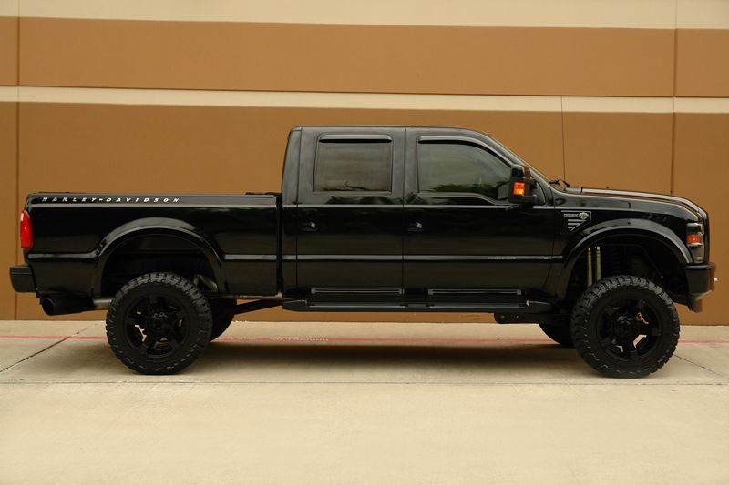 2010 Ford F250 Harley Davidson Crew Cab 6 Lift Ford Trucks Cars Trucks Built Ford Tough