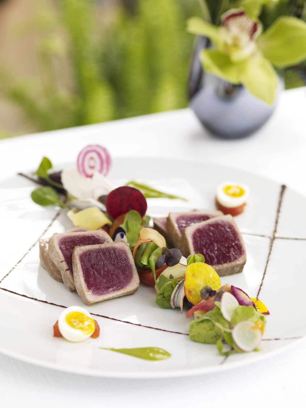 Discover our luxury restaurants & bars 料理