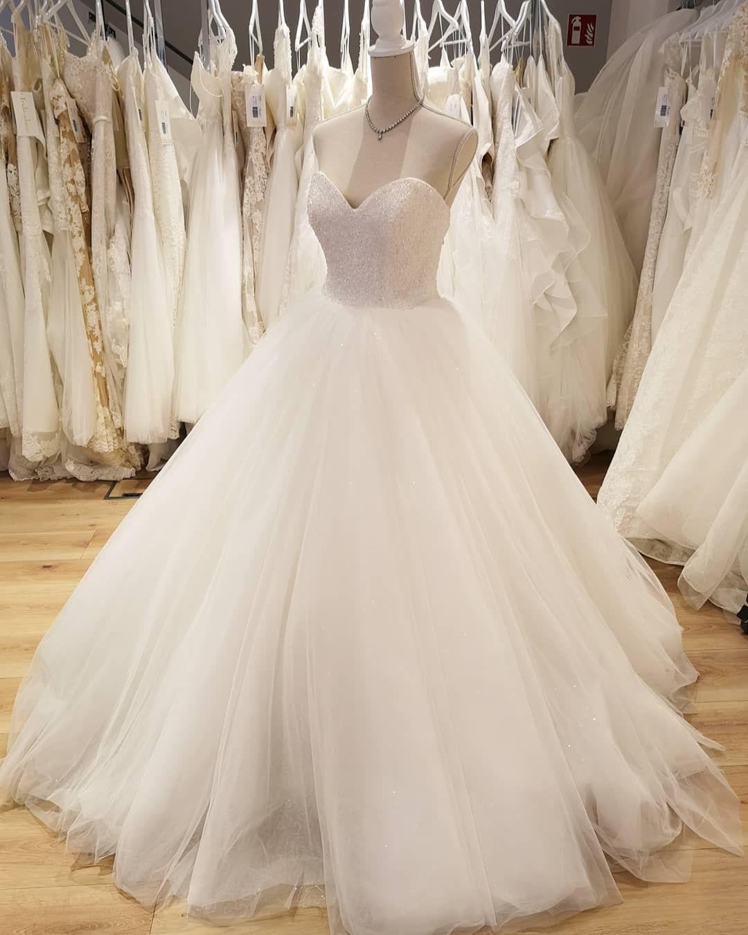 Pin von Amazing Brides Blog auf Brautkleider in 20  Brautkleid