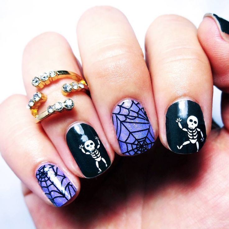 Skeleton Halloween nail art, spider webs | Fake nails designs