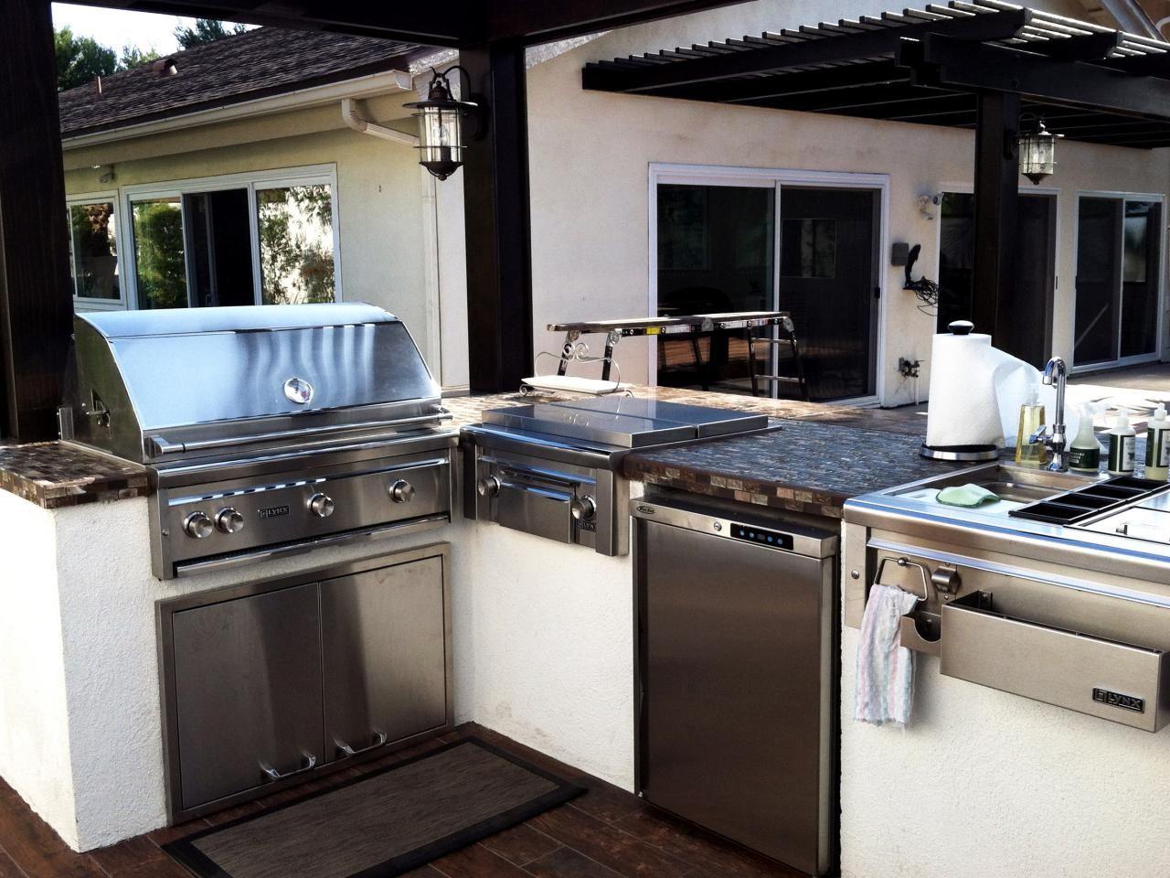 Bon Outdoor Wet Kitchen Design Photo