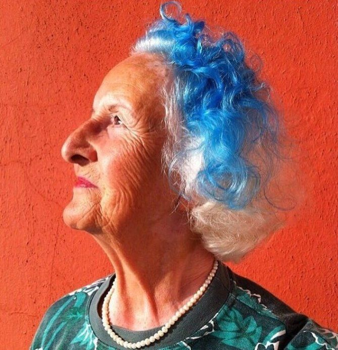 20 Women Older Than 60 Prove Unicorn Hair Has No Age Limit