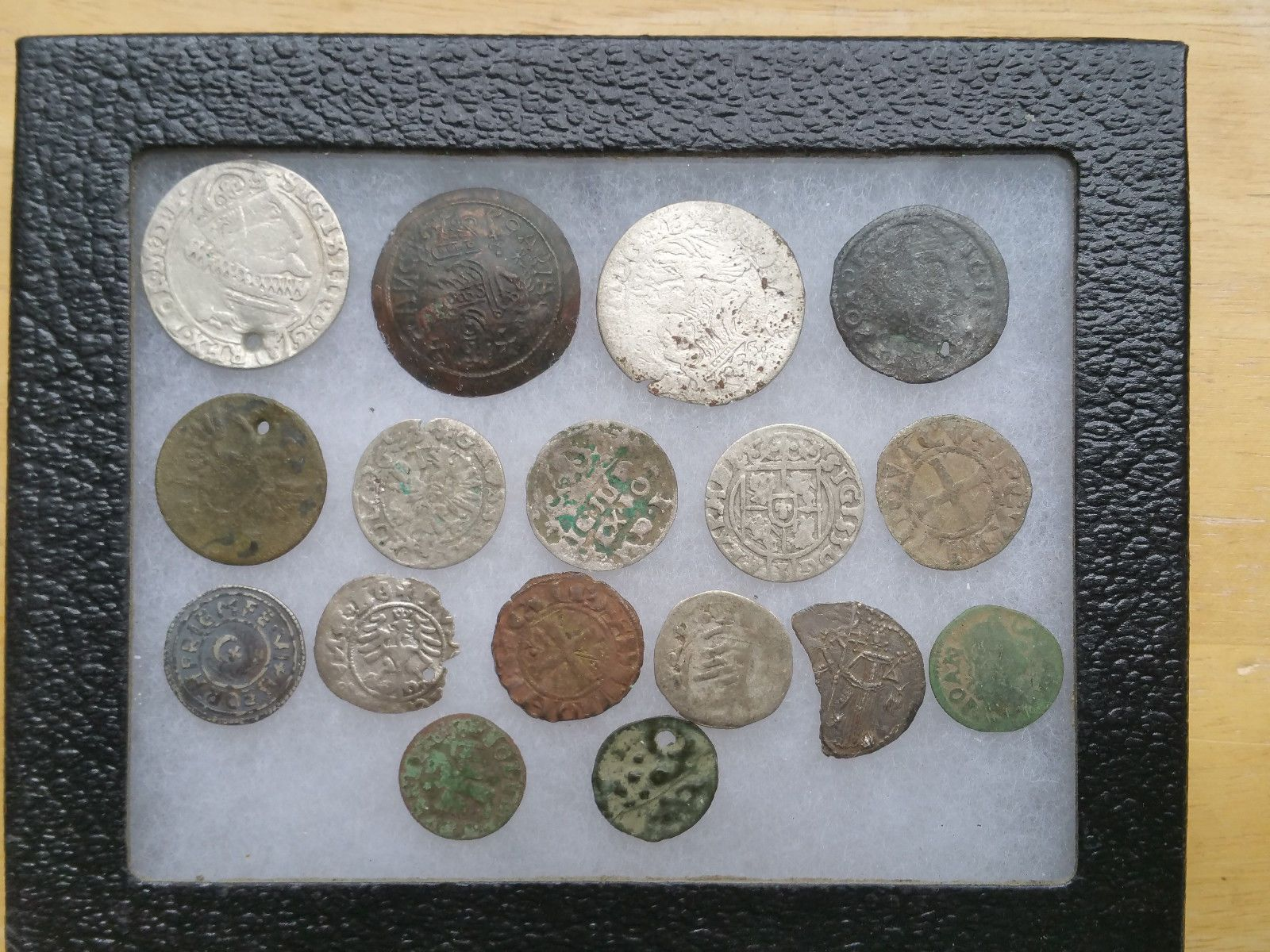 MIXED LOT OF HAMMERED COINS Price : $89.77 Ends on : 1 day