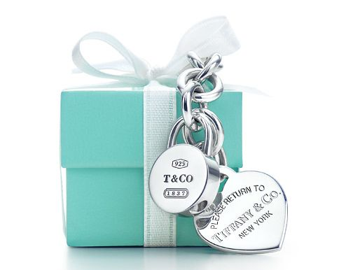 I love little blue boxes that say TIFFANY....