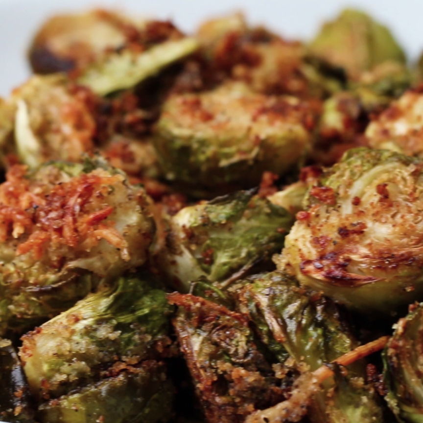 Roasted Garlic Parmesan Brussel Sprouts #brusselsproutrecipes