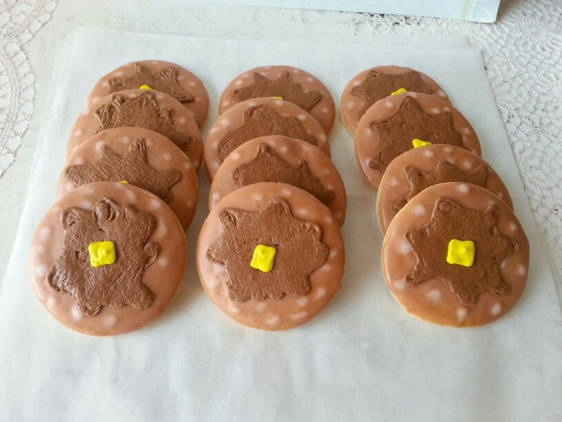 Sleepover theme decorated cookies. Made by Pastry Chef Yolanda-