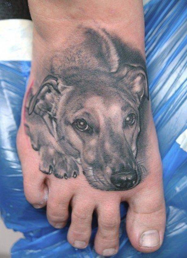 hunde tattoo fuss schwarz tattoos hund tattoo tattoo. Black Bedroom Furniture Sets. Home Design Ideas