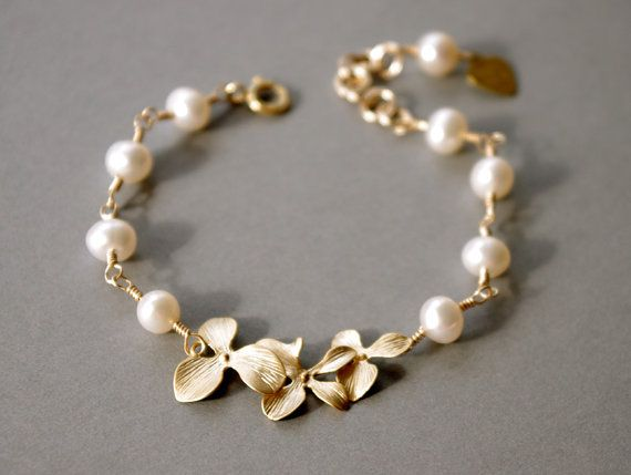 Personalized Jewelry Orchid Flowers Pearl Bracelet, Hand Stamped Initial Disc Gold Orchid Swarovski #pearljewelry