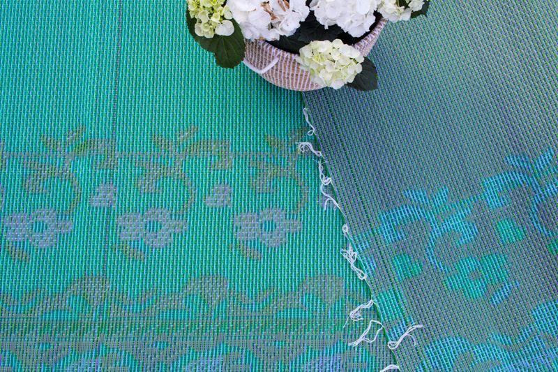Welp Groot plastic buitenkleed uit Marokko in groen en zacht lila. Mooi JO-05