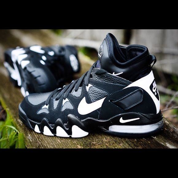 pretty nice 20da9 f7bb9 Nike Air Max 2 Strong Barkley   Velcro straps, Shoes sneakers and Nike shoe