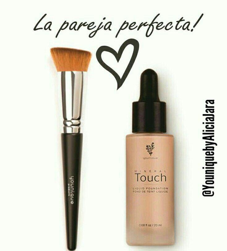La Pareja Perfecta Base Liquida Touch Mineral De Younique Y Brocha