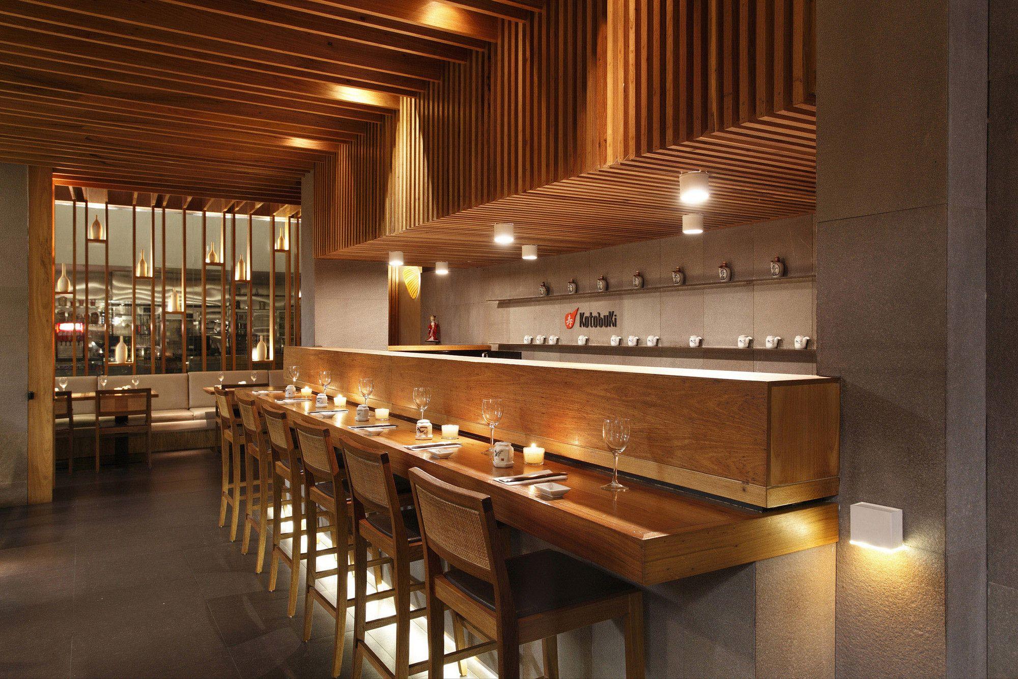Kotobuki Restaurant / Ivan Rezende Arquitetura | Commercial ...