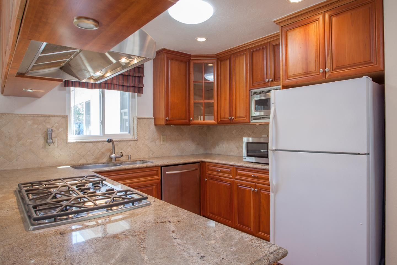 3842 Villa Glen Way San Jose Ca 95136 879 000 Www Garystclair Com Mls 81497506 Maple Hardwood Floors Family Living Rooms Cherry Cabinets