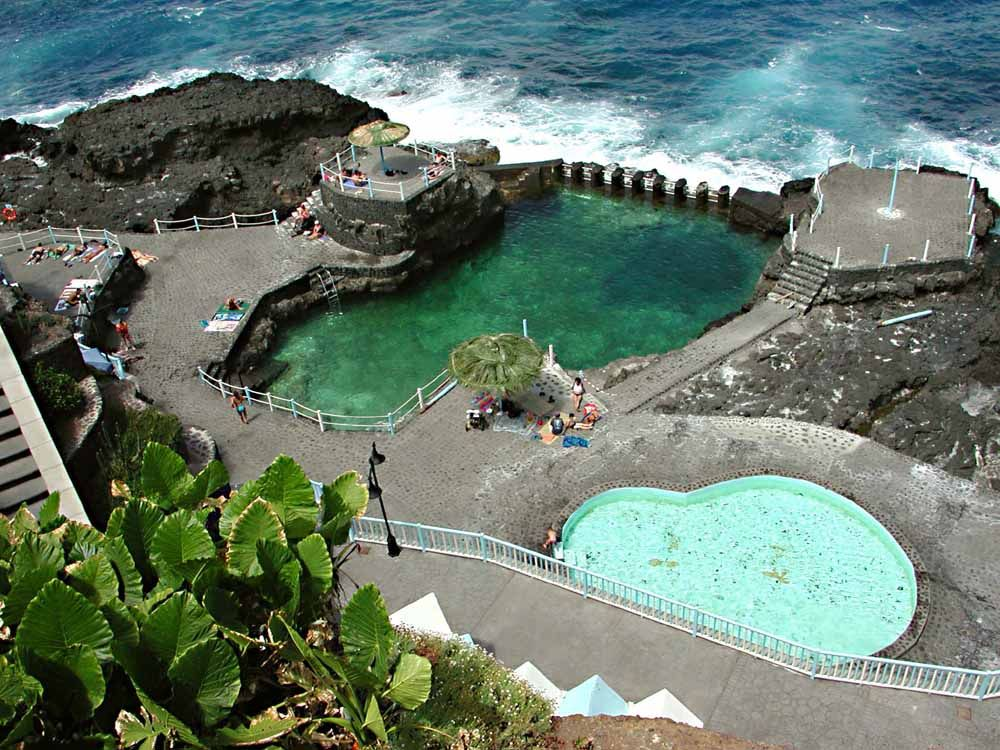 La piscina natural es un verdadero para so puedes nadar for Piscina de peces