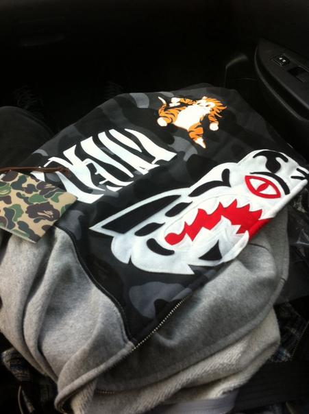 09bfff345ca1 A Bathing Ape WGM shark zip gray camouflage hoodie. Any thoughts  Drop it  here.  streetwear  shark  bape  camohoodie