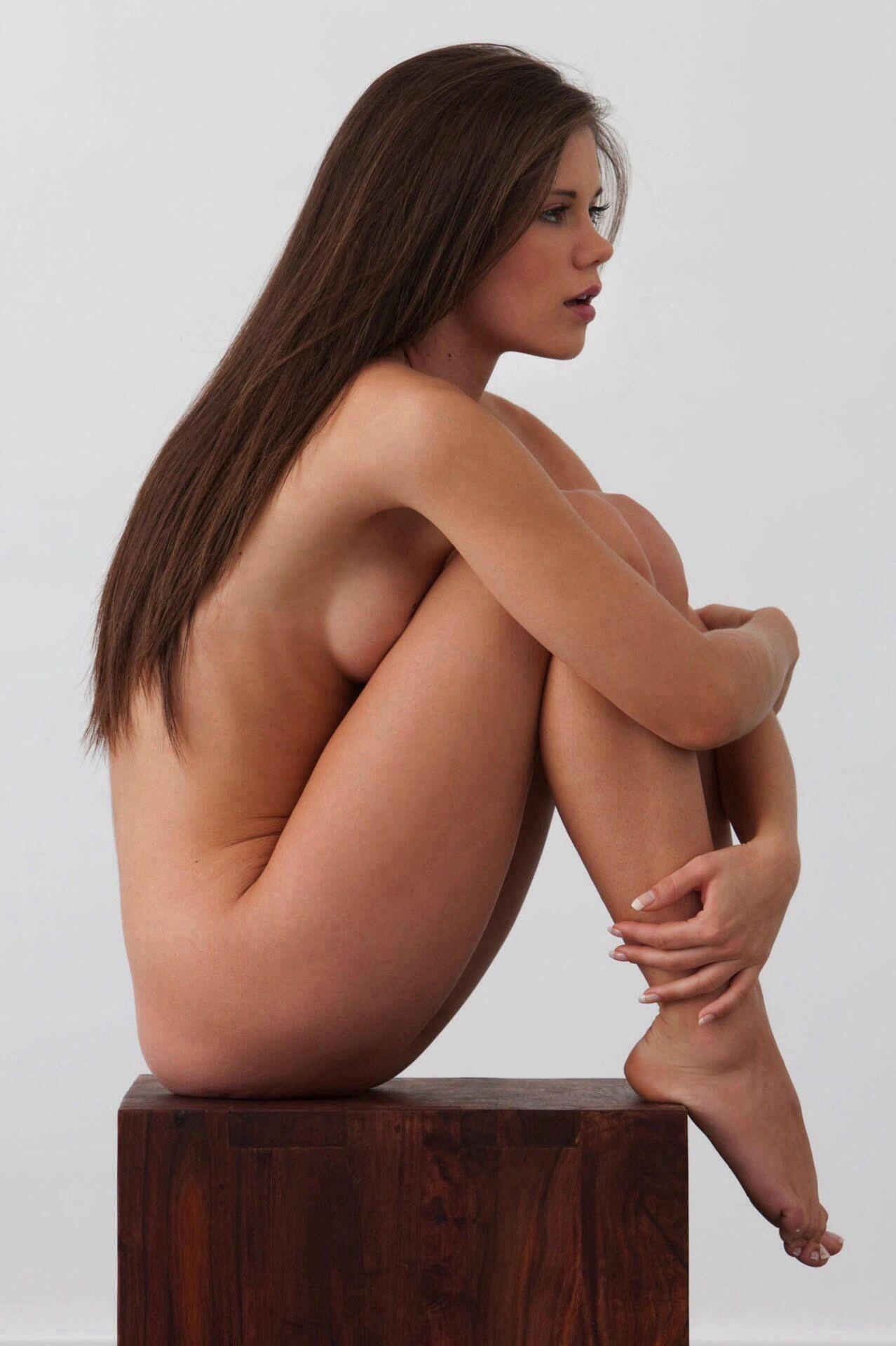 Nude Female Modles 45