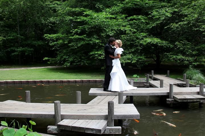 Wedding By Southern Event Planners At The Anese Garden Memphis Botanic Weddings Courtesy Of Ramblin Rose Photography