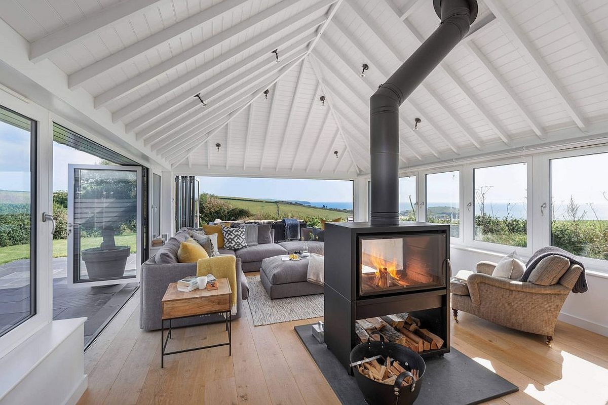 1960 S Bungalow Altered Into A Hypnotic Coastal Home Wit