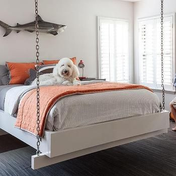 Kids hanging bed suspended by chains boys room for Suspended beds for kids