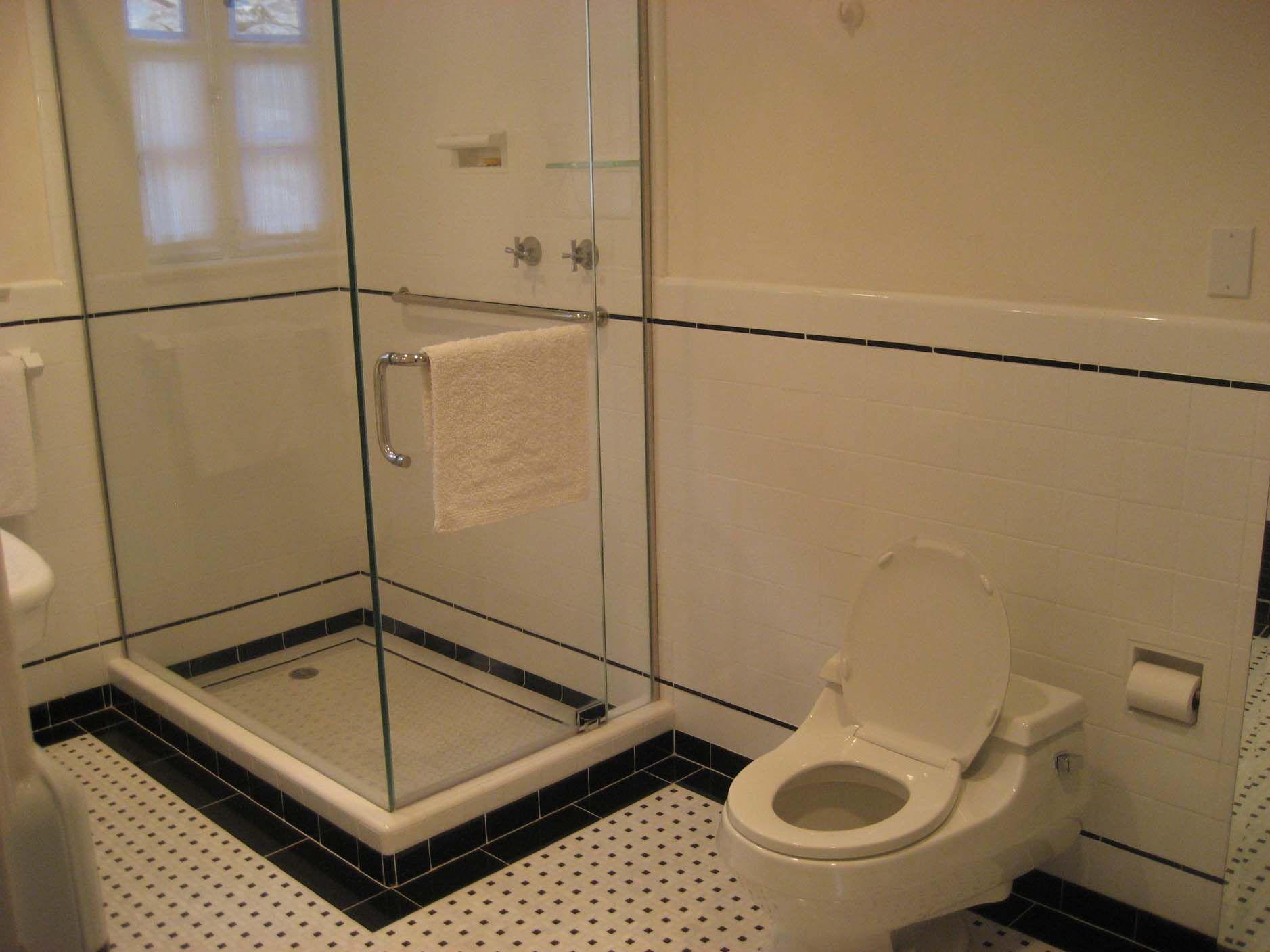 Small East Bedroom -- bathroom south wall