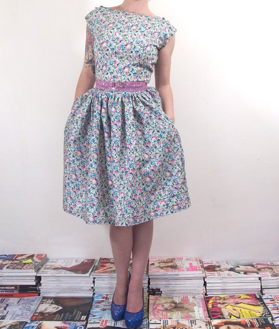 Liberty Print Floral T-Shirt Dress - Full Skirt - Size Small This is ...