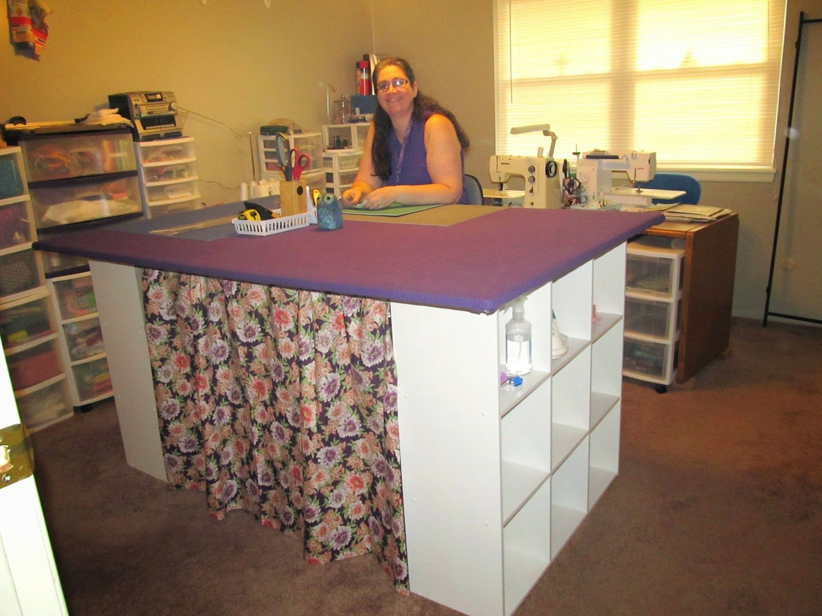 Ann39s quilt n39 stuff my new 4 x 6 foot cutting table for Sewing room furniture