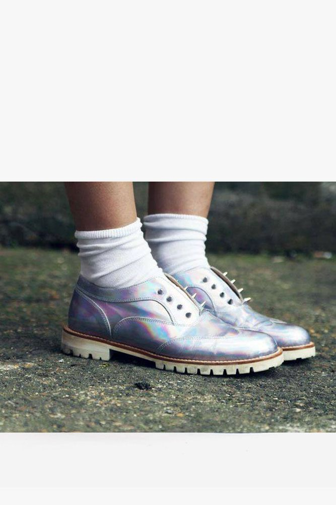 Holographic brogues