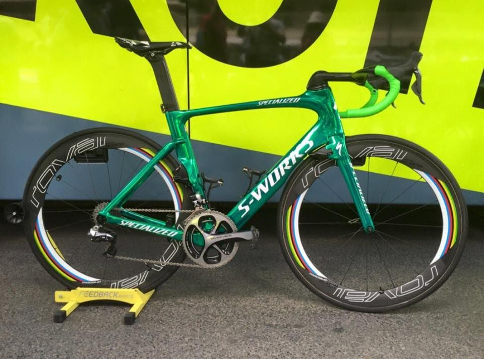 4484d0ed93f Peter Sagan's rode the latest Specialized S-Works Venge ViAS which also  featured green handlebar tape and world champion stripes on the Roval  deep-section ...