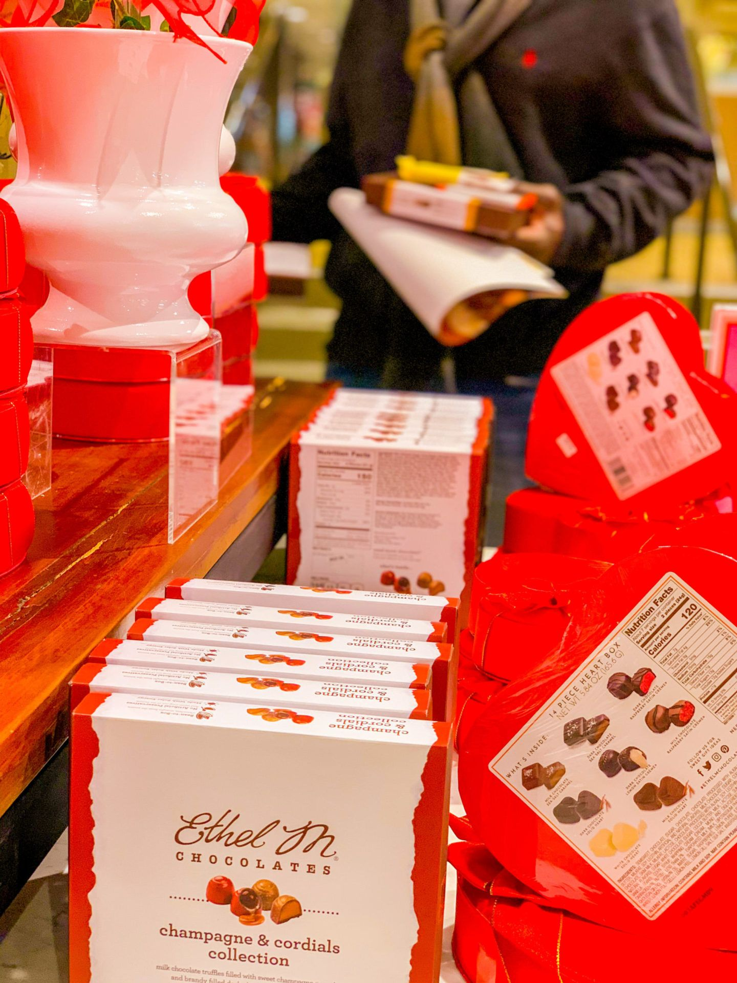 Ethel M Chocolates Champagne Cordials Collection In 2020 Chocolate Factory Premium Chocolate Online Chocolate