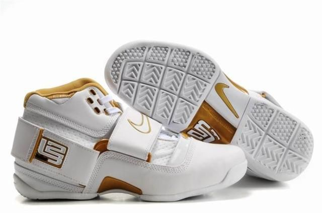 Air Foamposite Nike Zoom Lebron White Gold [Nike Zoom Lebron - Gold accents  let the Nike Zoom Lebron White Gold shoes look extremely fascinating.
