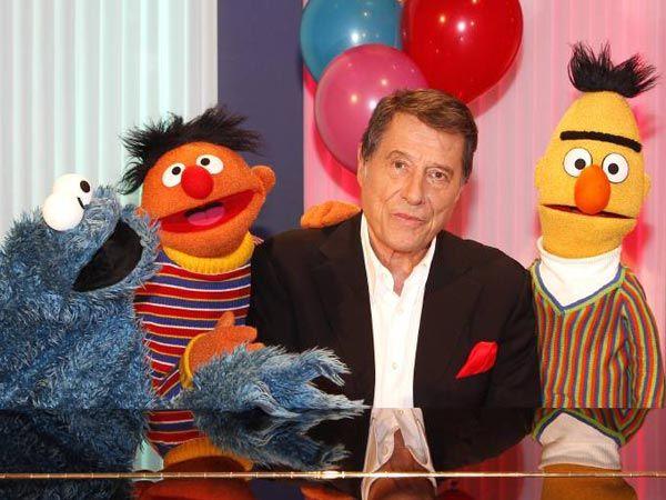 """Sahneschlacht mit Ernie und Bert aus der """"Sesamstraße"""" - welches Kind würde da nicht mitmachen? Aber auch etwas größere Kinder haben dabei"""