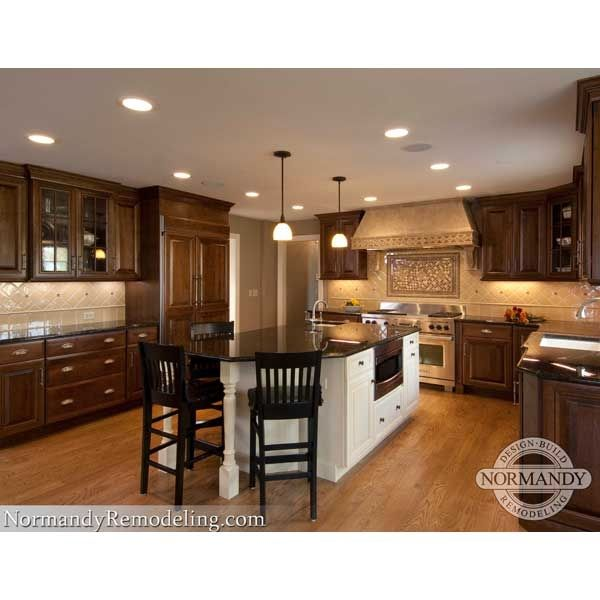 Kitchen Designer Chicago Impressive Like The Island In A Contrating Colornice Feelchicago Decorating Inspiration