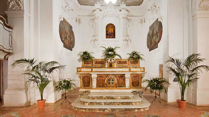 Un monastero incantato in un'atmosfera fiabesca per un matrimonio esclusivo: Certosa di San Giacomo | Weddings Luxury