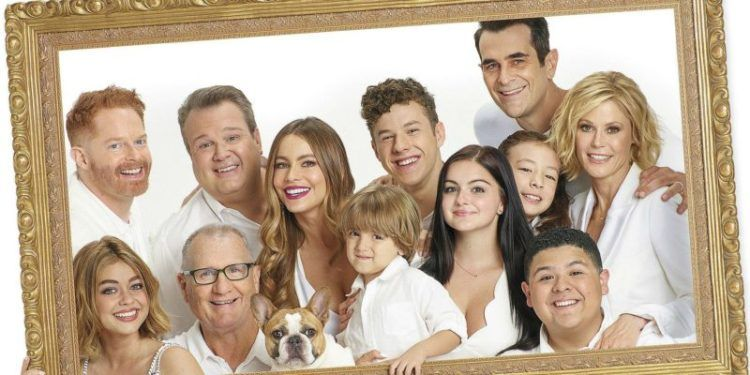 What The Modern Family Cast Is Doing Next In 2020 Celebrities Funny Modern Family Celebrity Moms