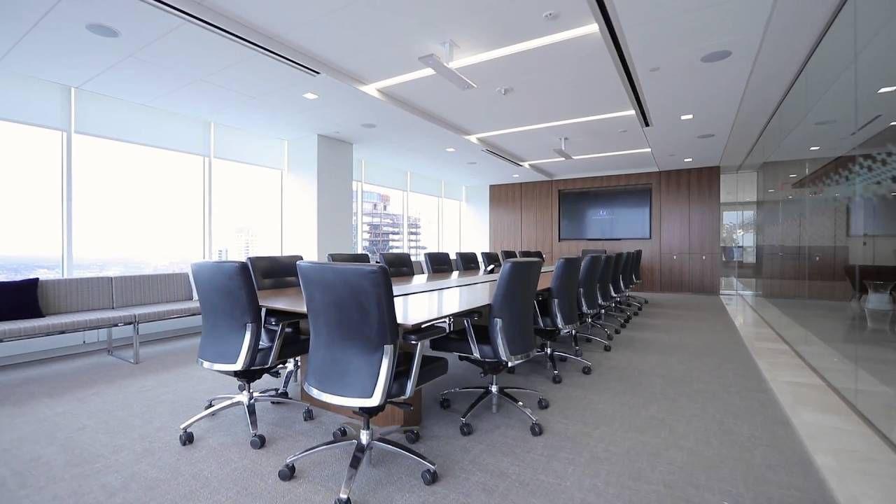 17 progetti di sale conferenze spettacolari. Prodotti impiegati: Clearone microfono array Beamforming, Clearone Converge PRO, Clearone microfono wireless WS200.