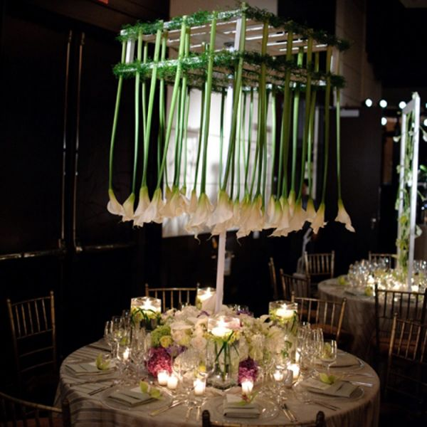 Such a dramatic centerpiece with calla lilies hanging from above the table.  Stunning!