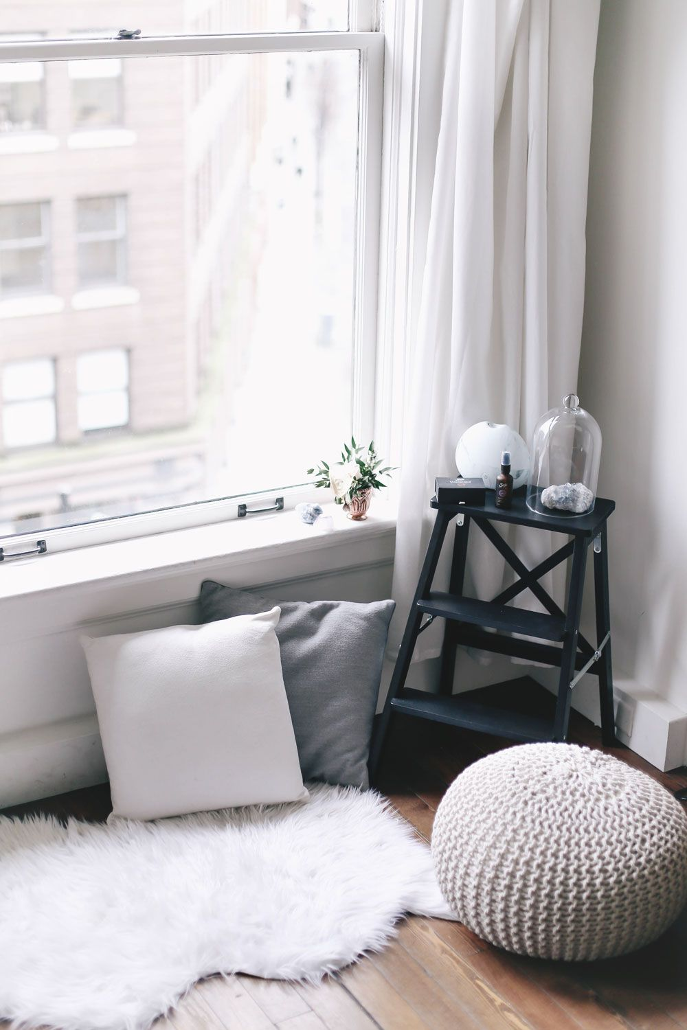 My Top 5 Meditation Tips To Vogue Or Bust Meditation Rooms Meditation Corner Meditation Room Decor