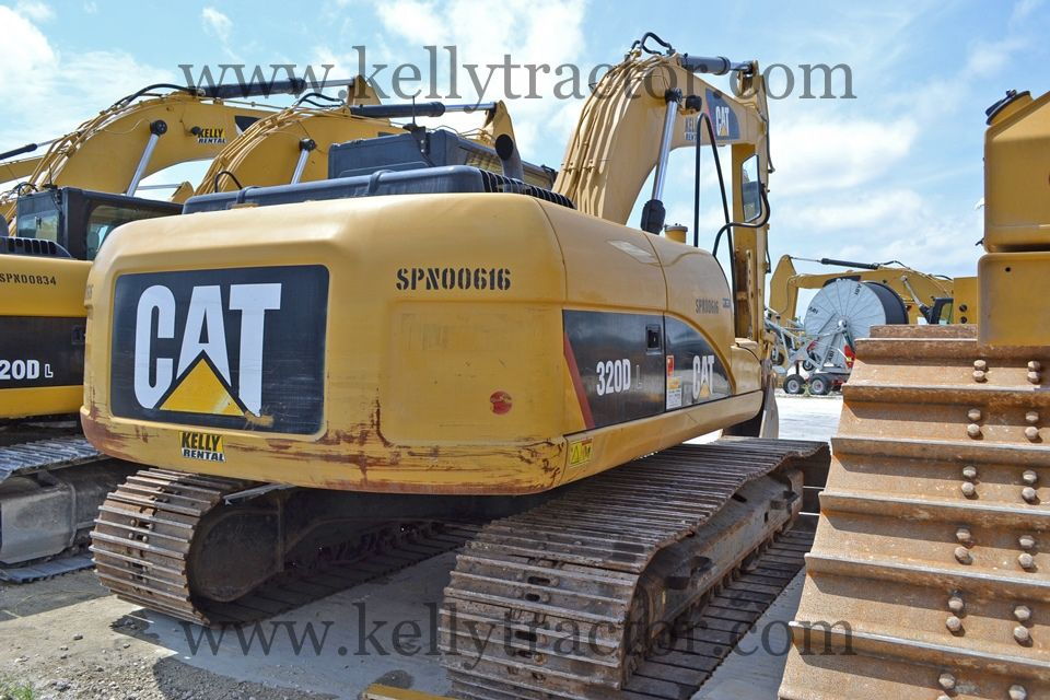 Kelly Tractor Co. Application Error Tractors, Train, Image