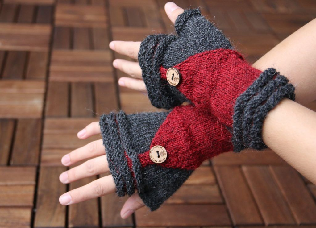 Knitting pattern giveaway until sunday, 16th of October! Mittens ...
