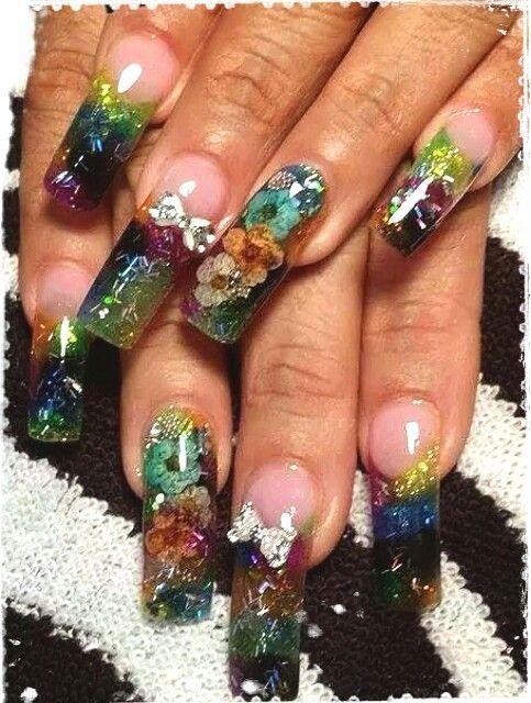 Larguísimas uñas acrilicas con naturaleza muerta, glitters, cola de ...