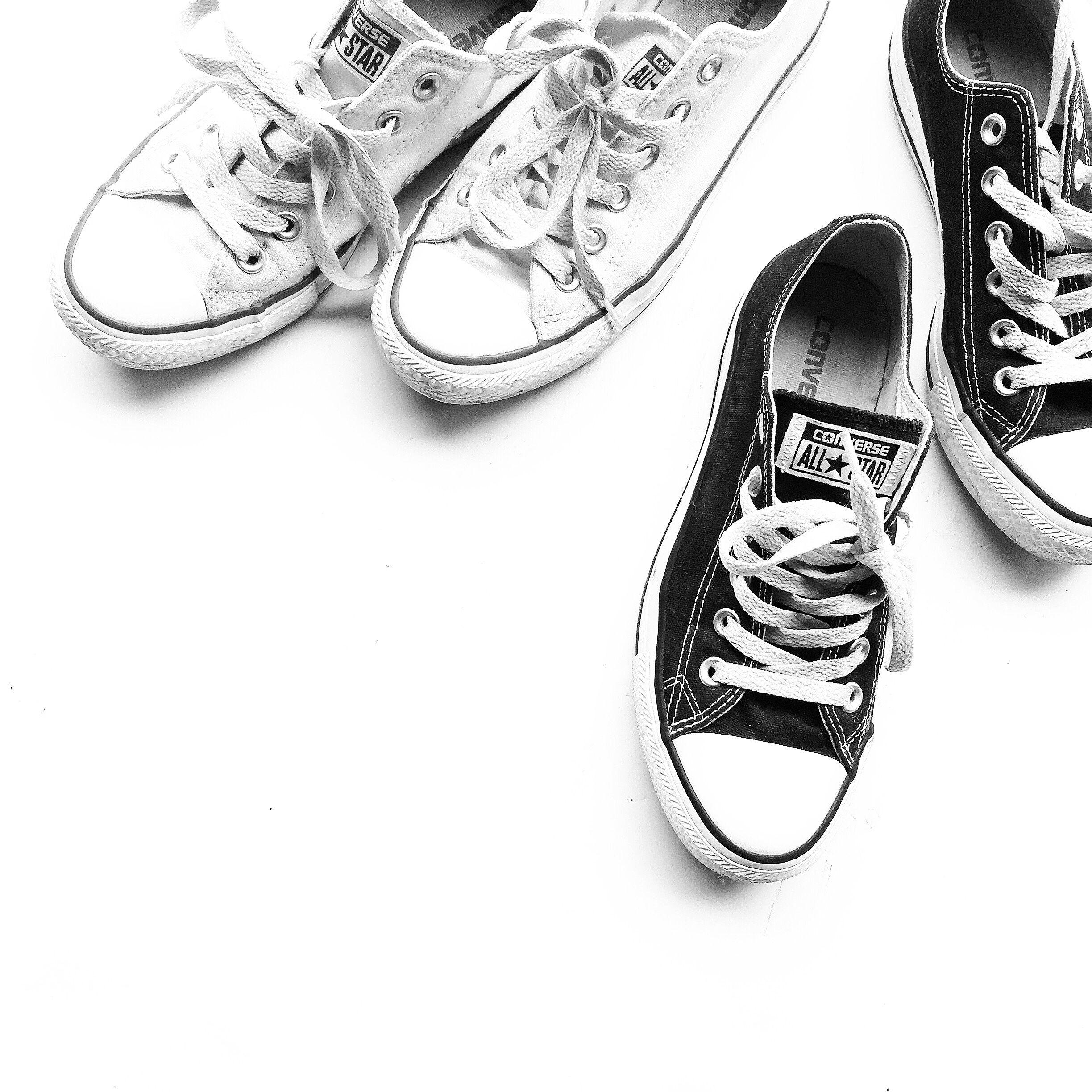 Converse. Flat lay via OVRSLO. #flatlay