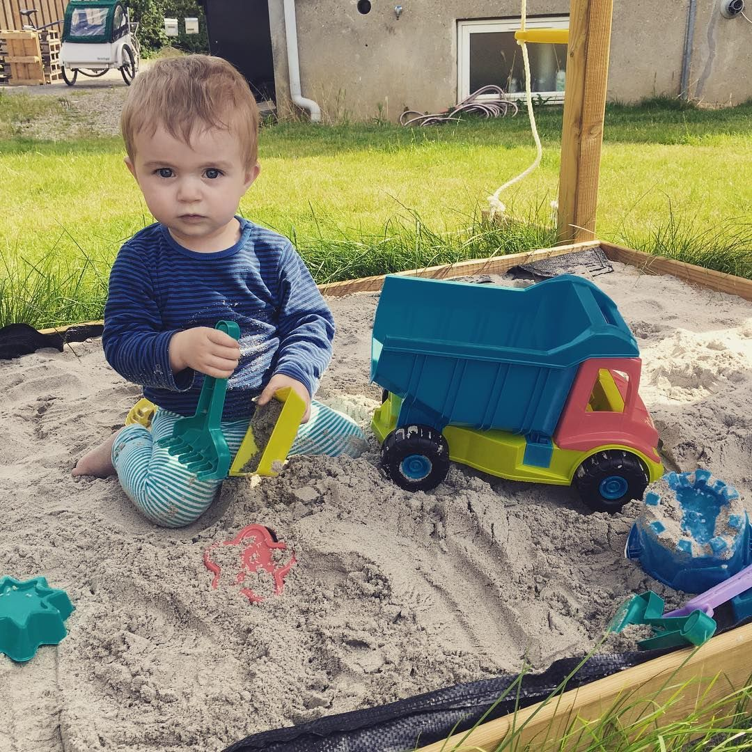 Jungle Gym around the world 🌍 Serious face in our sandpit! #PinToPlay #JungleGym
