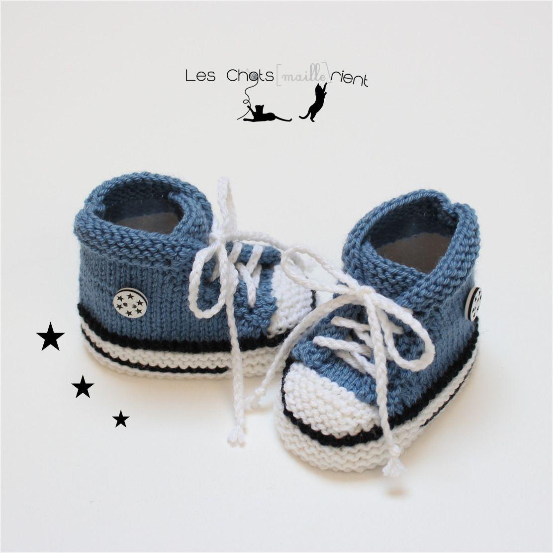 3a8b7b2d4882b Chaussons baskets bébé style converse tricotées main en laine