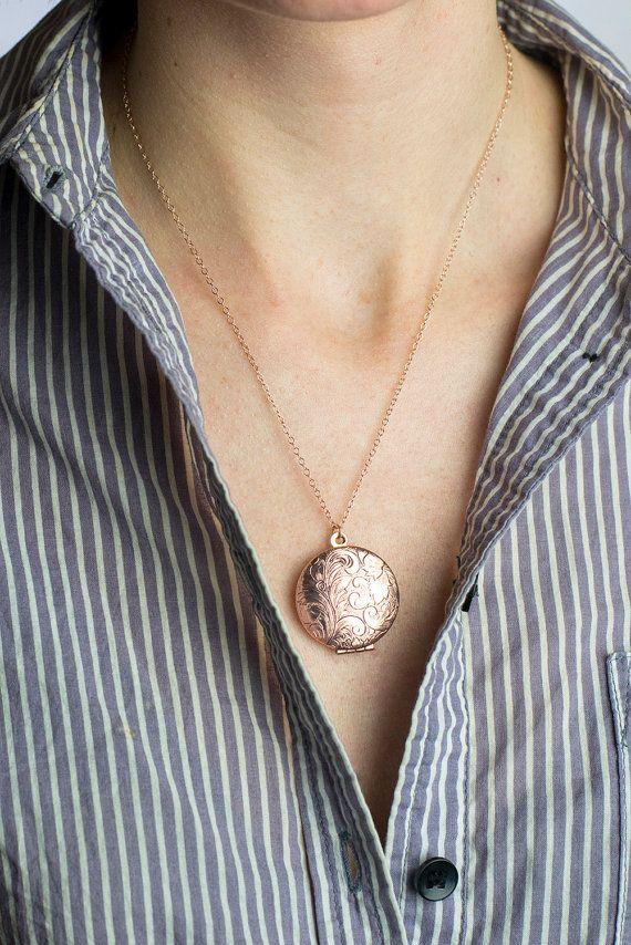 Long Rose Gold Necklace Locket Floral Rose Gold di FreshyFig